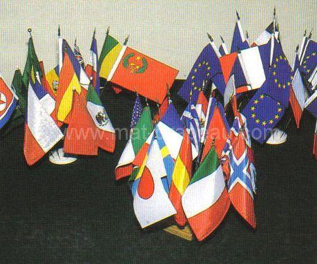 drapeau de table et socles en bois
