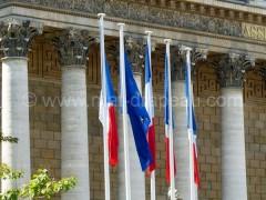 Mât aluminium et drapeaux tricolore