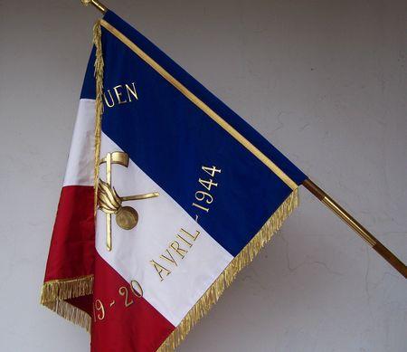 drapeau sapeur pompier - revers peint sur hampe avec pointe