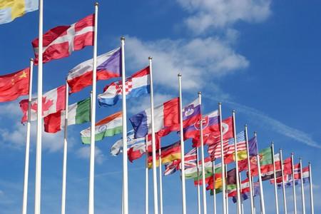 fabricant de drapeaux - pavillons flottant au vent
