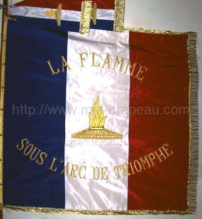 Broderie main réalisation motif du drapeau - drapeau brodé