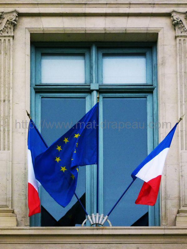 drapeau de l'Europe - drapeaux de façade France et Europe