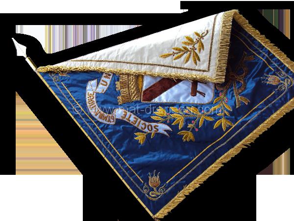 broderie drapeau - drapeau avec broderie: après la rénovation face blanche et bleue