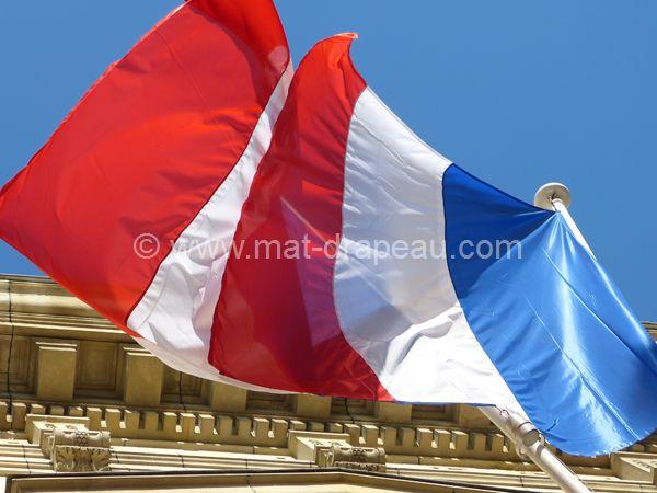 Drapeau France - drapeaux France sur mâts de façade