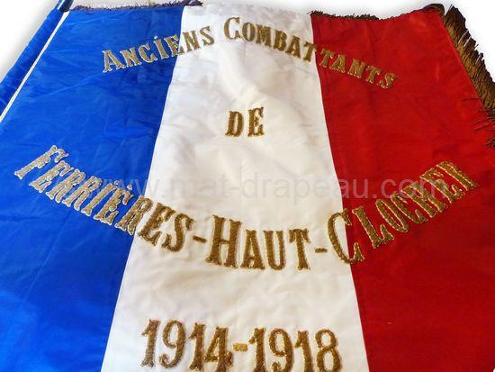 drapeau anciens combattants - détail du drapeau anciens combattants de 1914-1918 chiffres et lettres en broderie or (nettoyé).